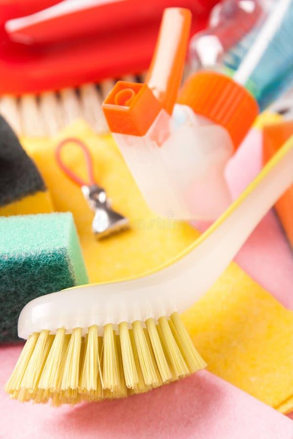 Variedade dos meios para limpar e lavar imagens de stock