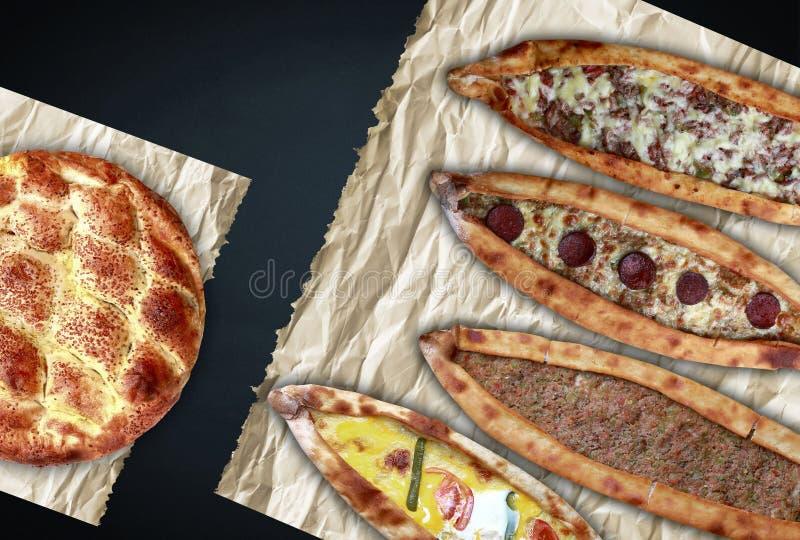 Variedades turcas do pão árabe no fundo preto fotos de stock royalty free