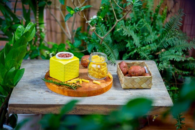 Varietà di alimento imballata senza plastica fotografia stock