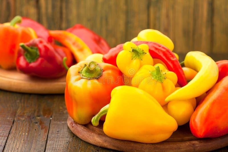 Varietà di peperoni freschi immagine stock libera da diritti