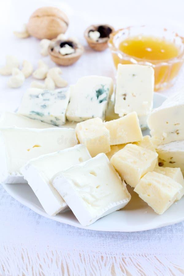 Varietà differenti di formaggio fotografia stock