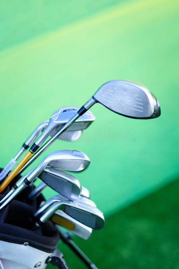 Free Variety Of Golf Clubs In Bag On Green Background Stock Photos - 186298563