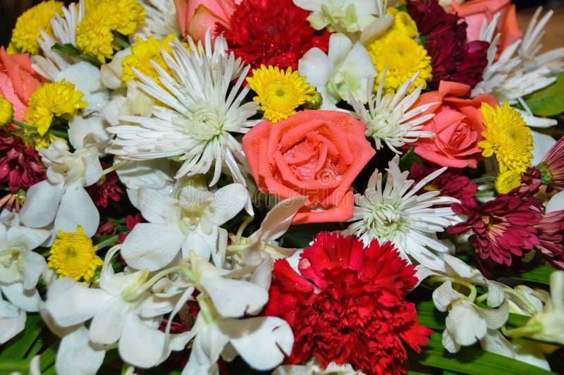 Vario fiore nel mazzo del fiore immagine stock