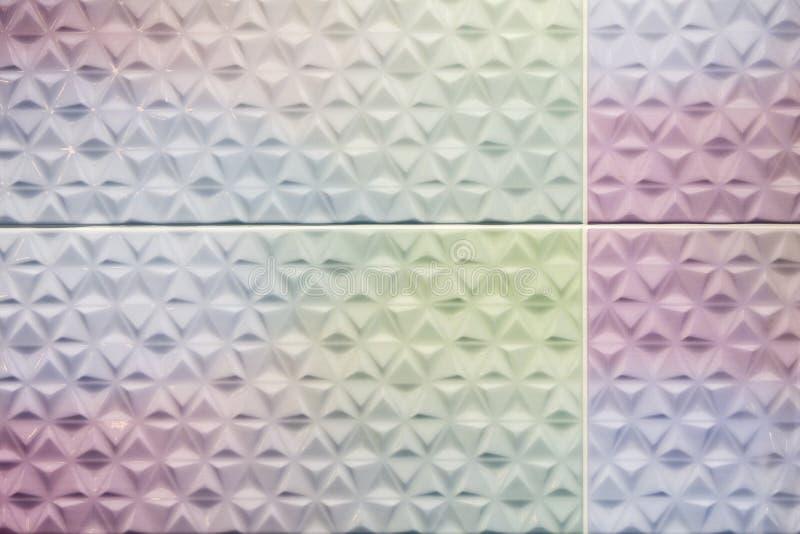Variopinto delle mattonelle quadrate della parete fotografie stock libere da diritti