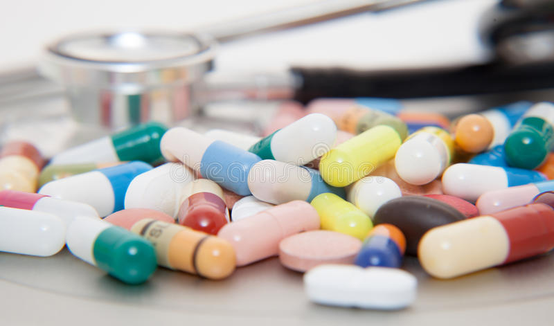 Varios productos farmacéuticos imagenes de archivo