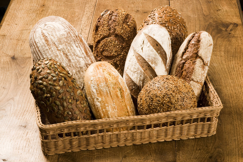 Varios tipos de pan marrón foto de archivo libre de regalías