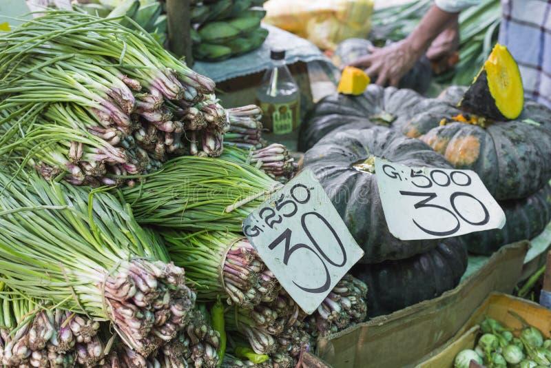 Varios vehículos en el departamento vegetal, Sri Lanka imágenes de archivo libres de regalías