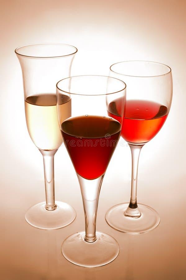 Varios vidrios de vino imagen de archivo
