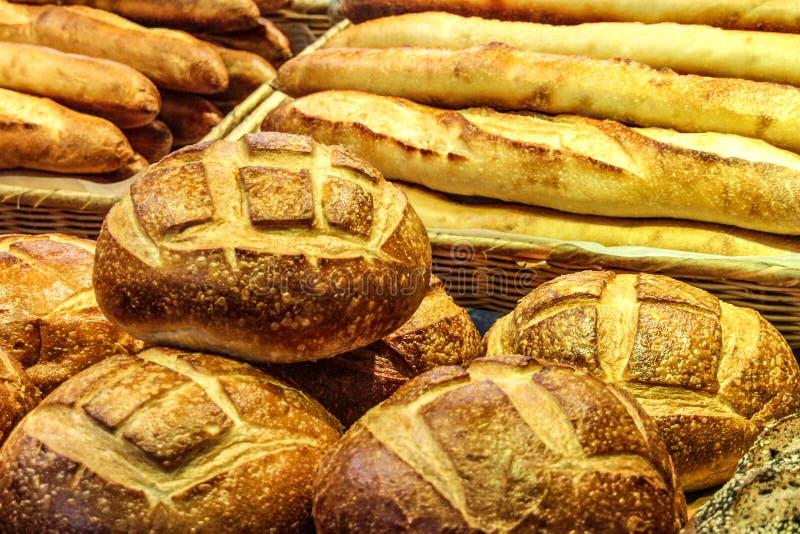 Varioues-Arten des Brotes auf Anzeige stockfoto