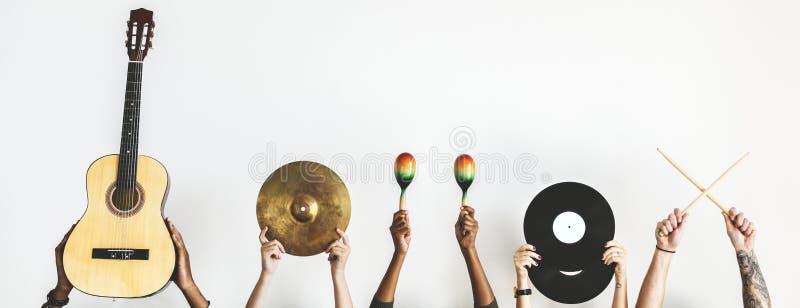 Varje räcker rymmer musikinstrument arkivfoton