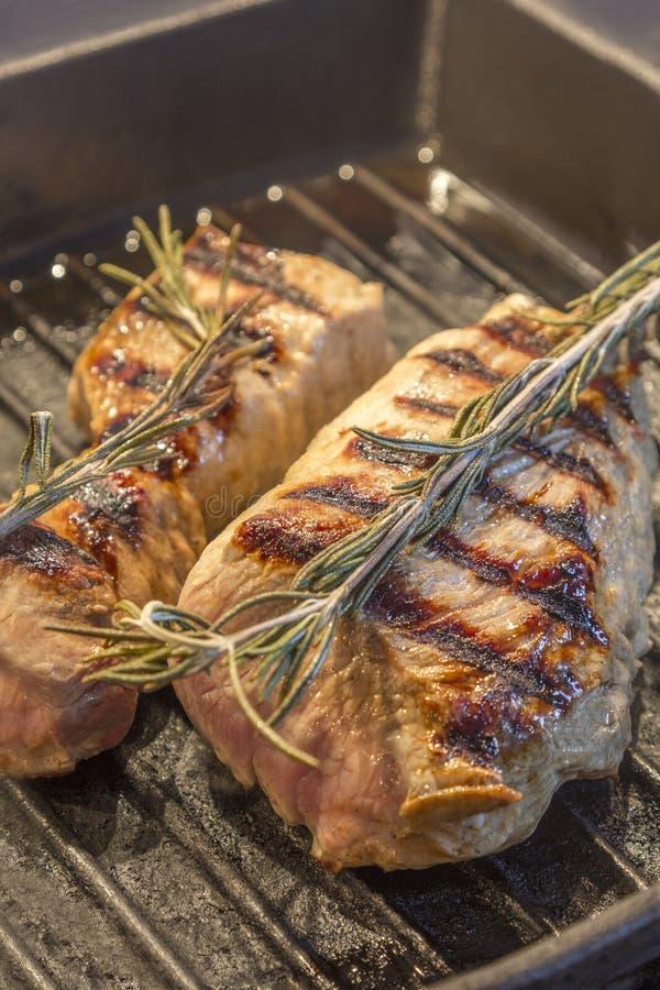 Varkensvleesfilet in Grillpan royalty-vrije stock foto's