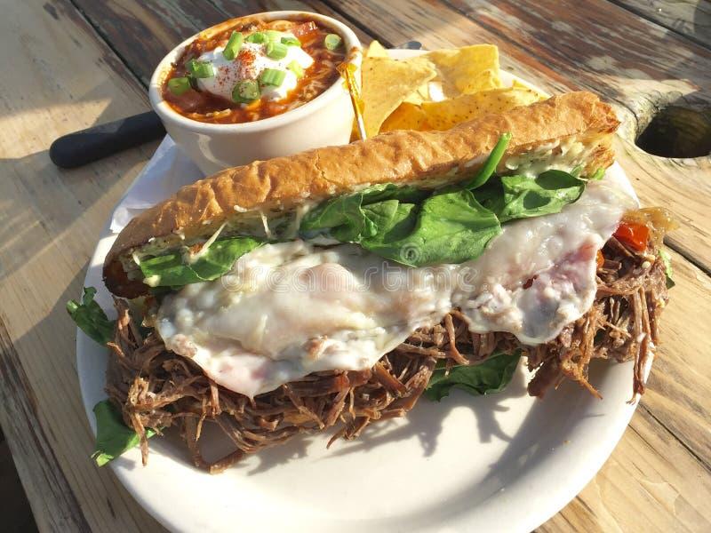 Varkensvleessandwich stock afbeelding