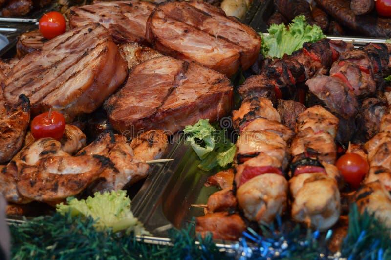 Varkensvleesschotels en barbecuegrill royalty-vrije stock foto