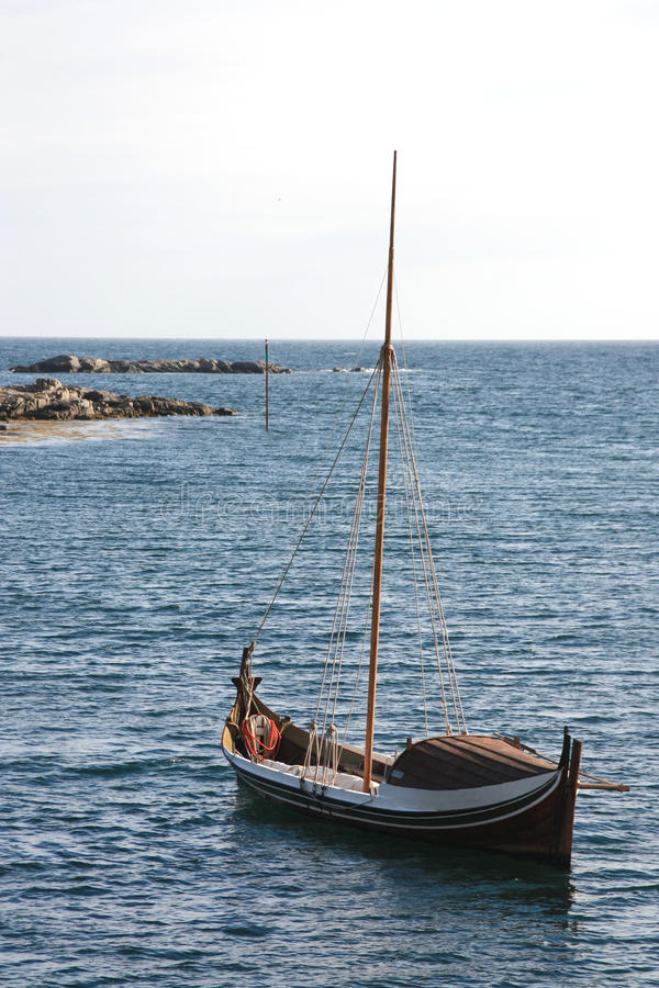Varlberg dans le bateau de Lofoten photo stock