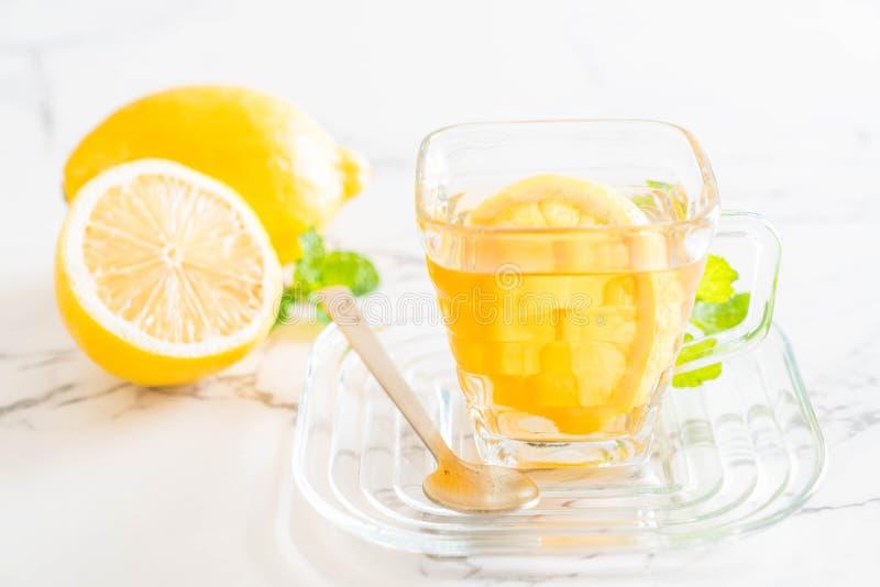 Download Varm citrontea arkivfoto. Bild av sunt, drink, closeup - 106831094