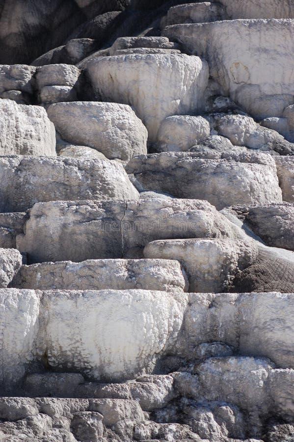 varm kolossal mineral springs terrasser arkivfoto