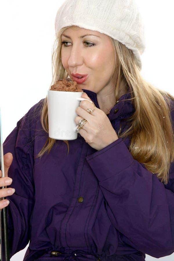 varm kvinna för choklad arkivfoto