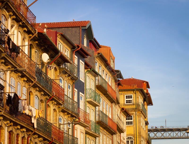Varma fasader på Ribeira royaltyfri fotografi