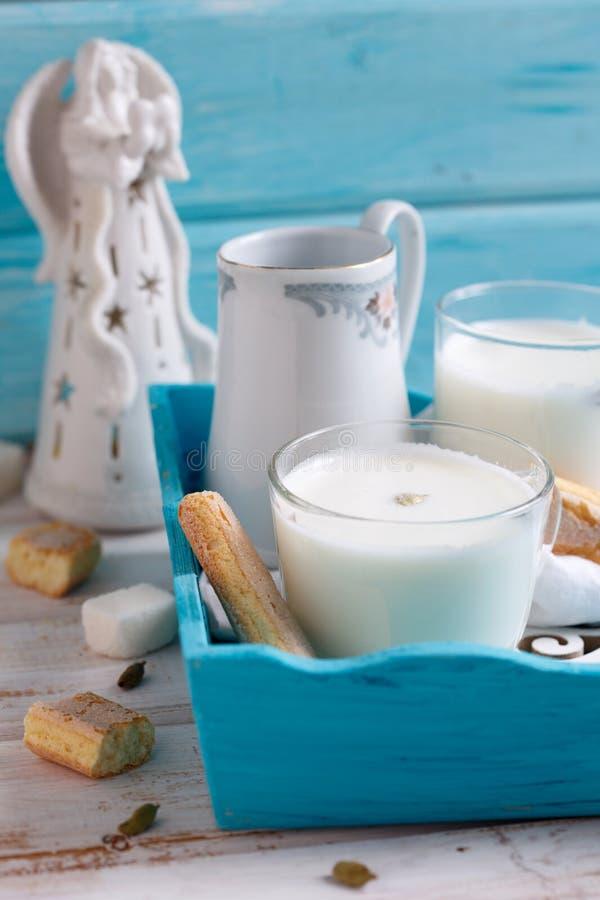 Varmt mjölka drinken royaltyfri foto