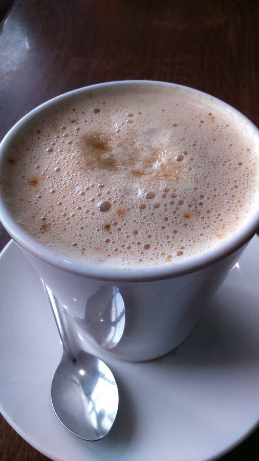 Varmt mjölkaktigt kaffe royaltyfria foton