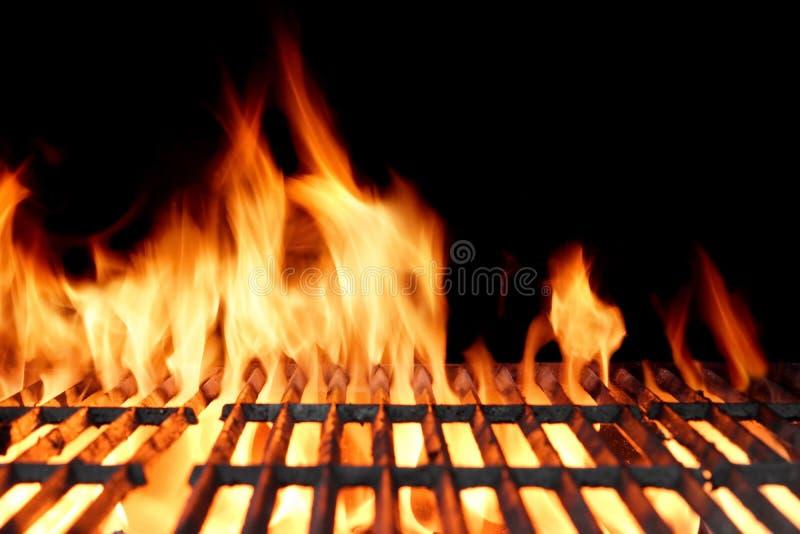 Varmt tomt kolBBQ-galler med ljusa flammor arkivbild