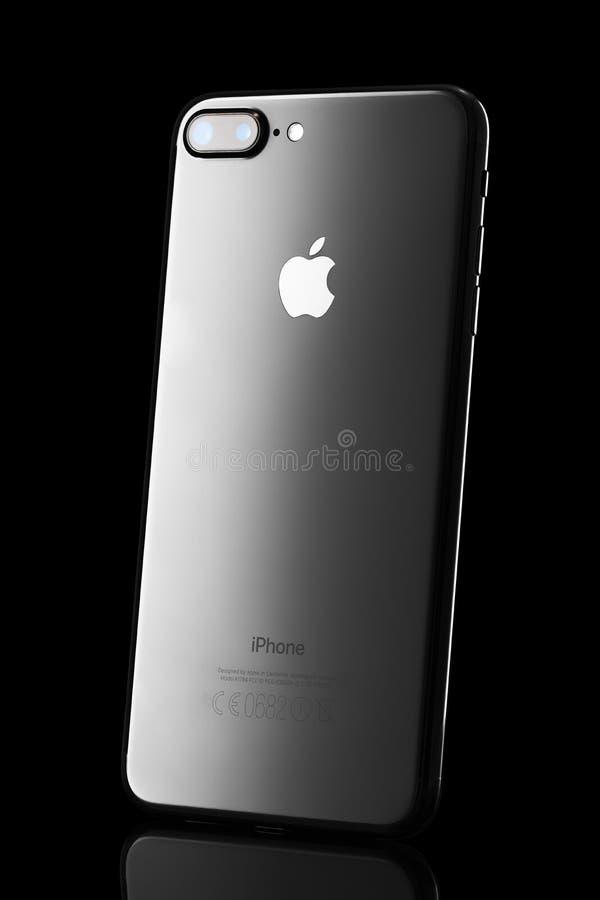 Varna, Bulgaria - 04 dicembre, 2016: Iphone nero 7 più, colpo dello studio immagine stock libera da diritti