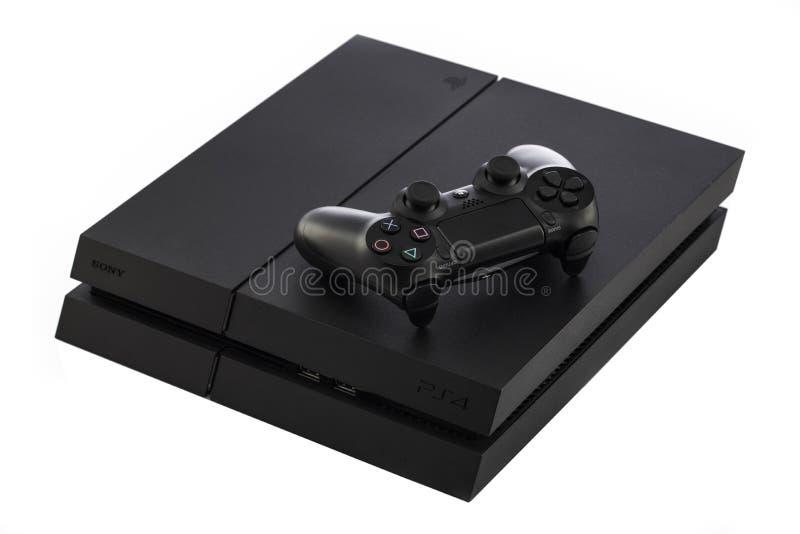 VARNA, Bulgaria - 18 novembre 2016: Console del gioco di Sony PlayStation 4 fotografia stock libera da diritti