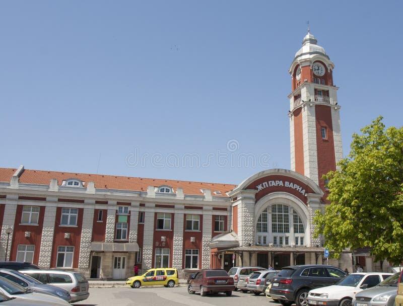 VARNA, BULGARIE - 2 MAI 2017 : Gare ferroviaire photo libre de droits