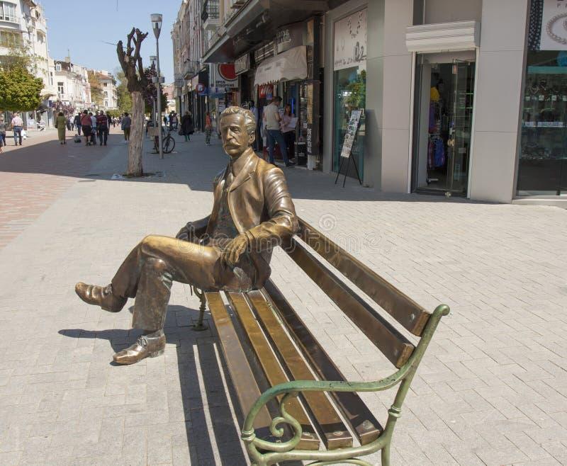 VARNA, BULGARIE - 2 MAI 2017 : Monument au repos de citoyen de ville photographie stock