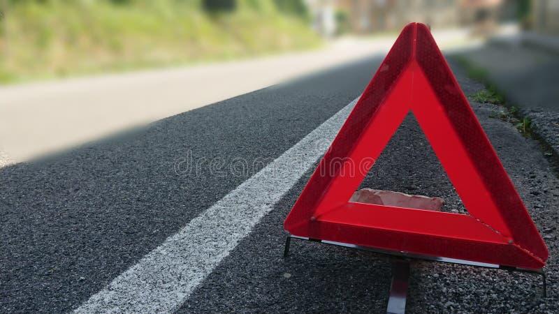 Varnande vägmärke för fara fotografering för bildbyråer