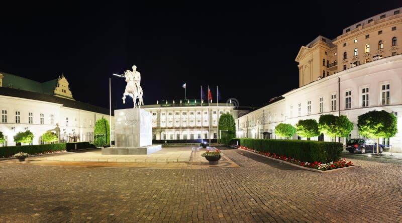 Varsóvia, Polônia - 21 de agosto de 2016 - palácio presidencial em Varsóvia, imagens de stock