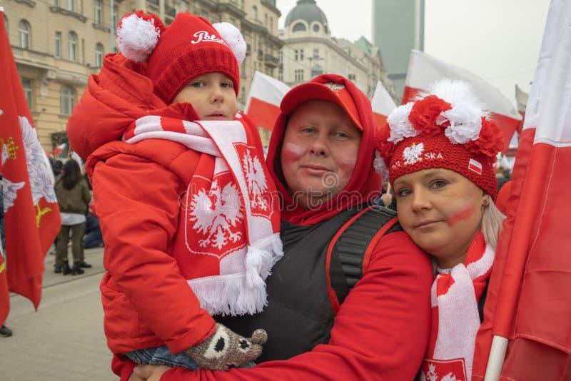 Varsavia, Polonia - 11 novembre 2018: Molte famiglie hanno partecipato all'indipendenza marzo fotografia stock