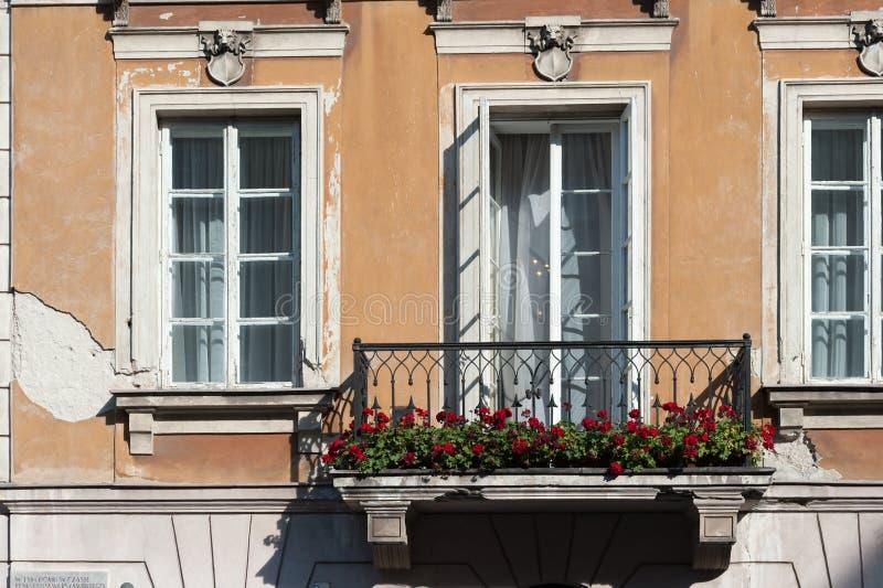 Varsovia Polonia centro de ciudad de octubre de 2014 con Europa del este y arquitectura moderna fotos de archivo