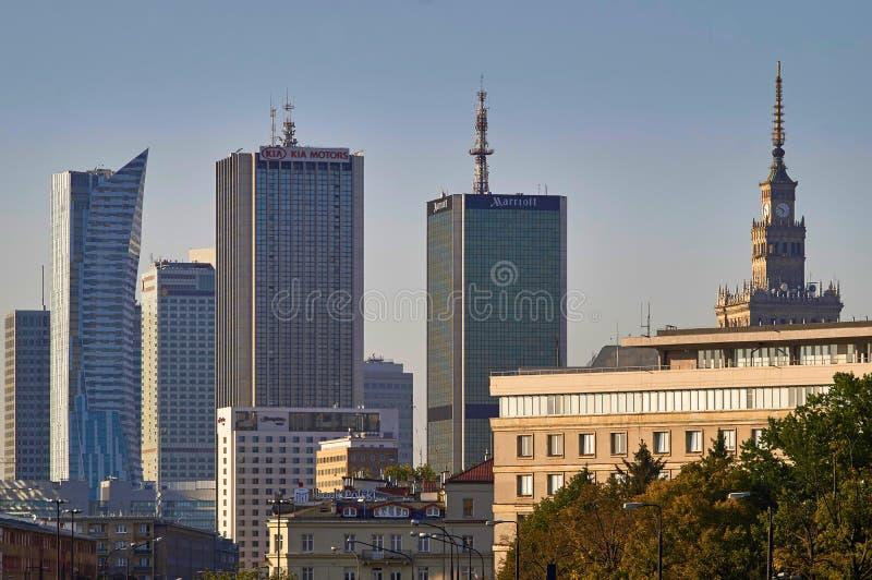 Download Varsovie, Pologne - 27 Août 2016 : Vue Panoramique Du Centre Sur Le Coucher Du Soleil, Avec Le Palais De La Culture Et De La Scie Photographie éditorial - Image du symbole, après: 77162967