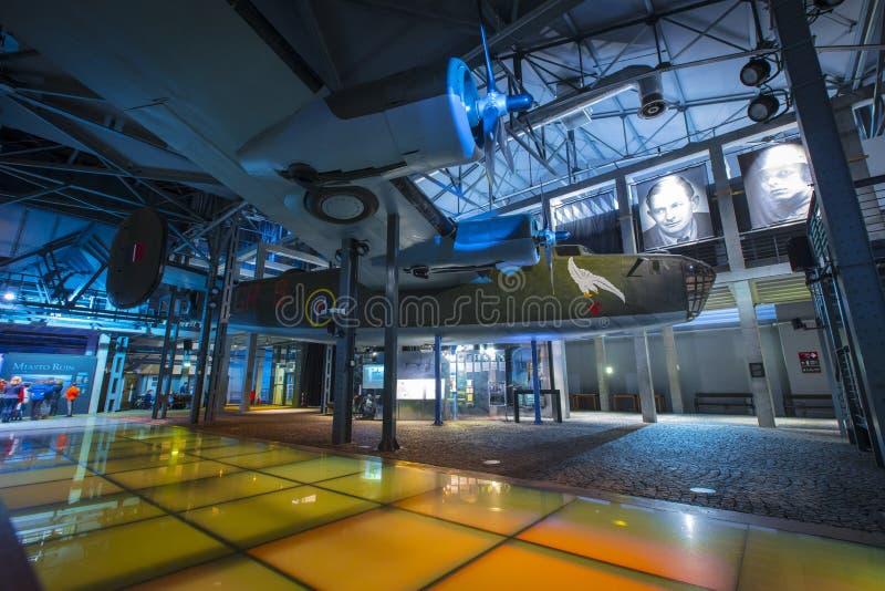 Varsovie, Pologne, l'Europe, décembre 2018, reproduction de bombardier du libérateur B24 dans le musée de soulèvement de Varsovie image stock