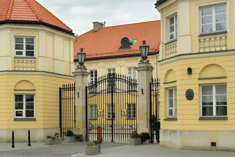 VARSOVIE, POLOGNE - 12 MAI 2012 : Vue du palais vide à Varsovie images stock