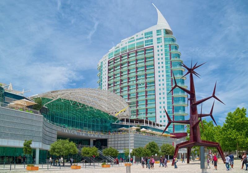 Vasco da Gama Center et S Gabriel Tower images stock