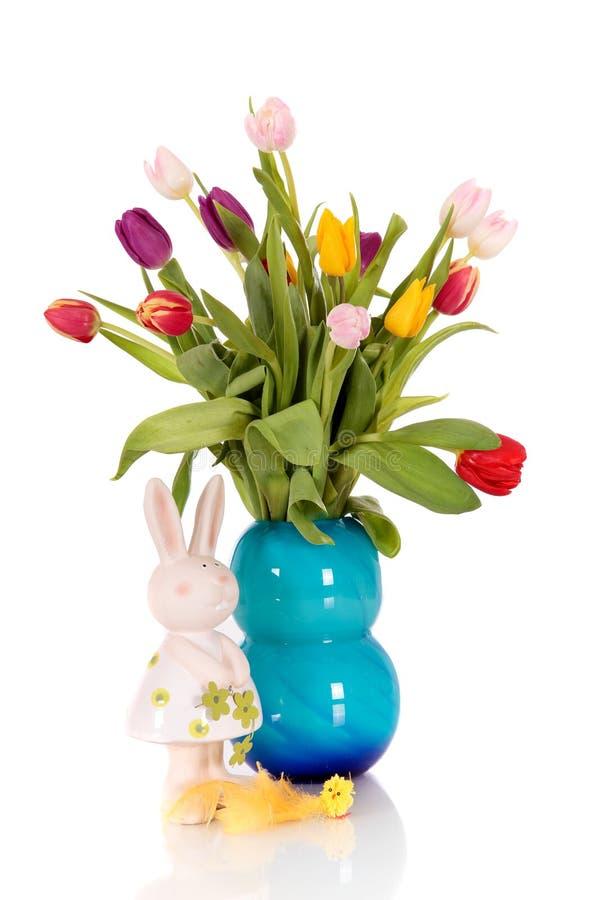 Vase à tulipes de Pâques de bouquet image libre de droits