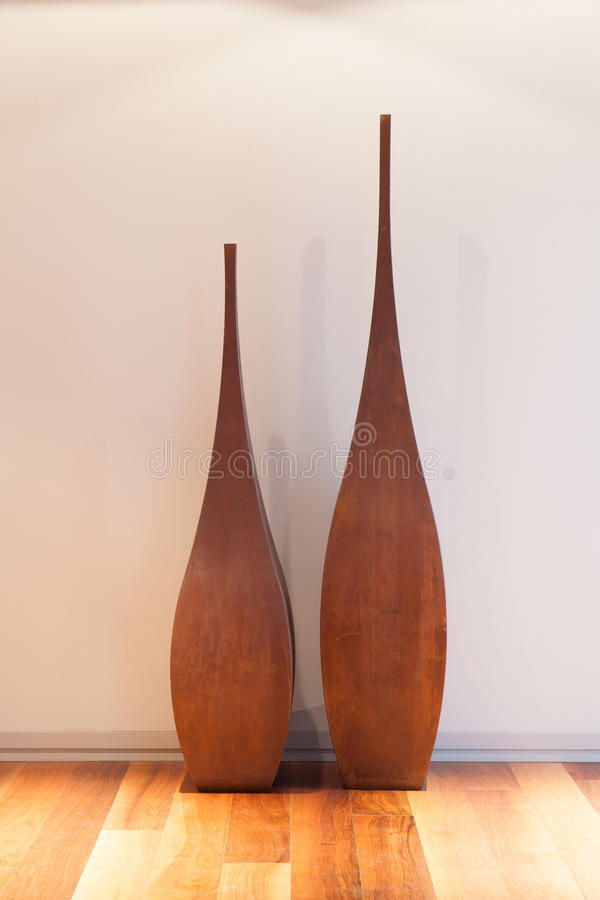 Vase décoratif dans le salon photo libre de droits