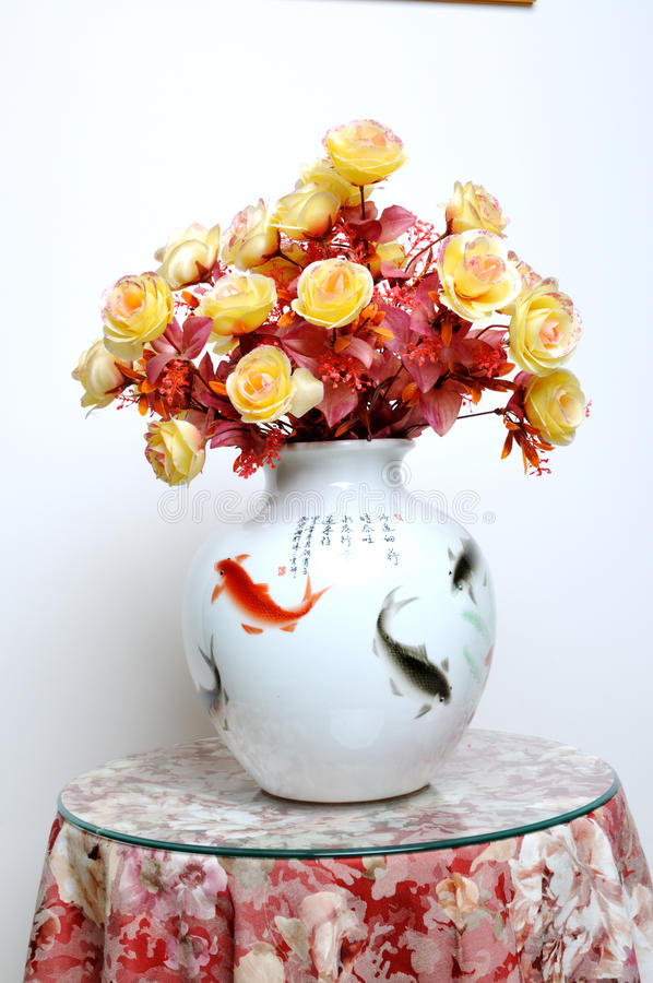 Free Vase Of Flowers Stuck Royalty Free Stock Photography - 16727017