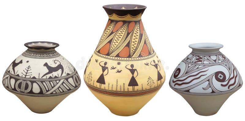 Vases avec le vase à modèle de natif américain d'isolement sur le backgr blanc photo stock