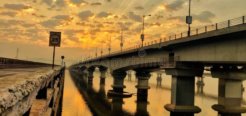 Vashi桥梁,新孟买,孟买,印度,马哈拉施特拉,日出,橙色 免版税库存图片
