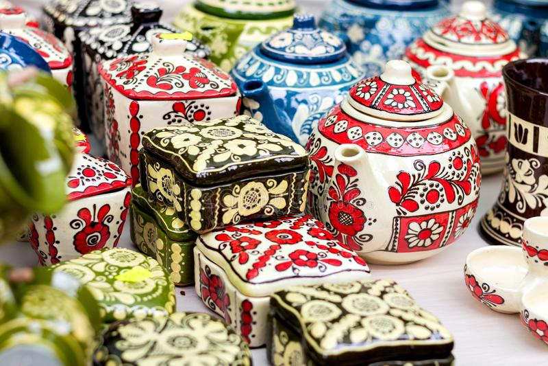 Vasi ceramici del modello floreale tradizionale fotografia stock libera da diritti