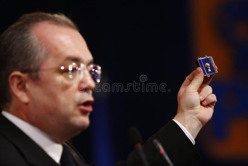 Vasile Blaga Holding um discurso foto de stock royalty free