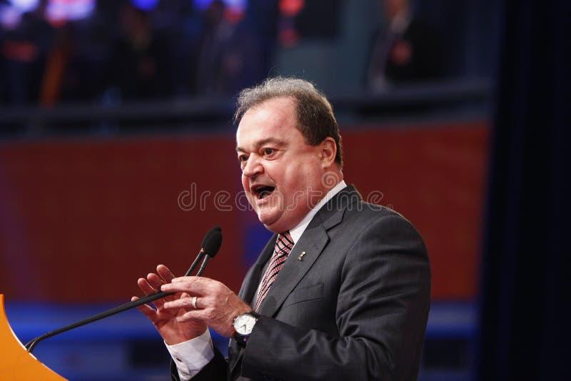 Vasile Blaga Holding um discurso fotografia de stock royalty free