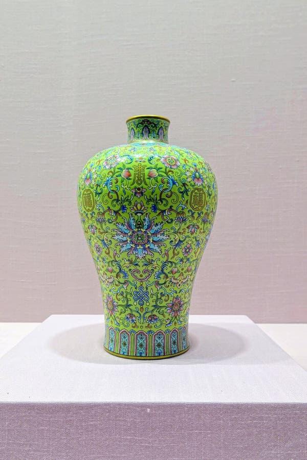 Vaso antico della porcellana di Chines fotografie stock