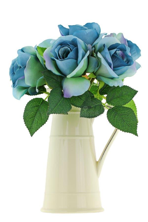Vaso cerâmico do jarro do esmalte amarelo do vintage com as rosas verdes azuis imagens de stock
