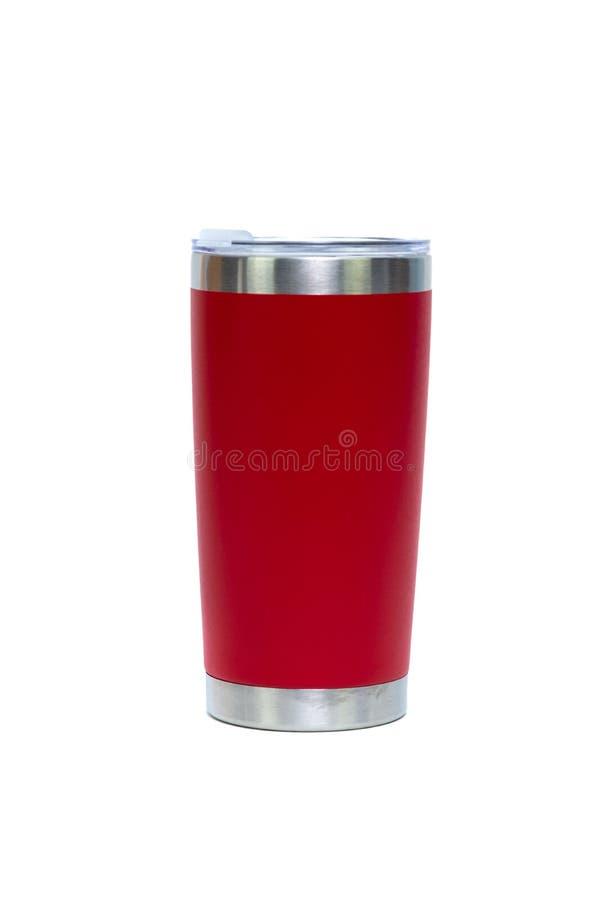 Vaso de acero inoxidable del color rojo o taza del almacenamiento frío y caliente aislada en el fondo blanco fotos de archivo