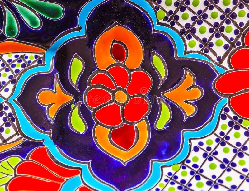 Vaso di fiori blu rosso ceramico variopinto Dolores Hidalgo Mexico fotografia stock