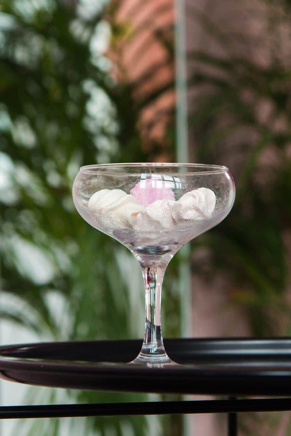 vaso dos marshmallows foto de stock royalty free